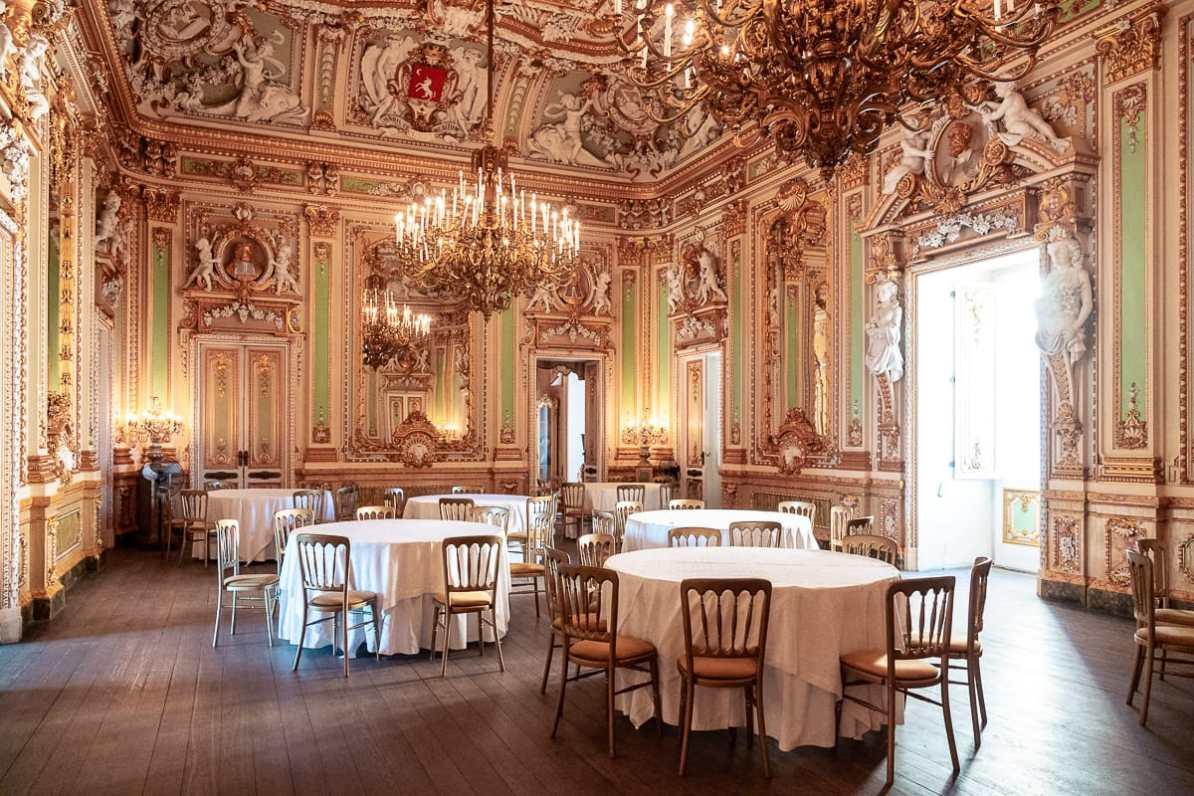 Der Ballsaal des Palazzos