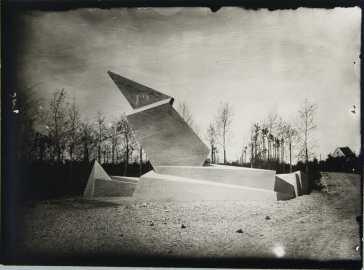 Denkmal der Märzgefallenen, Gropius gemeinfrei via Wikipedia.