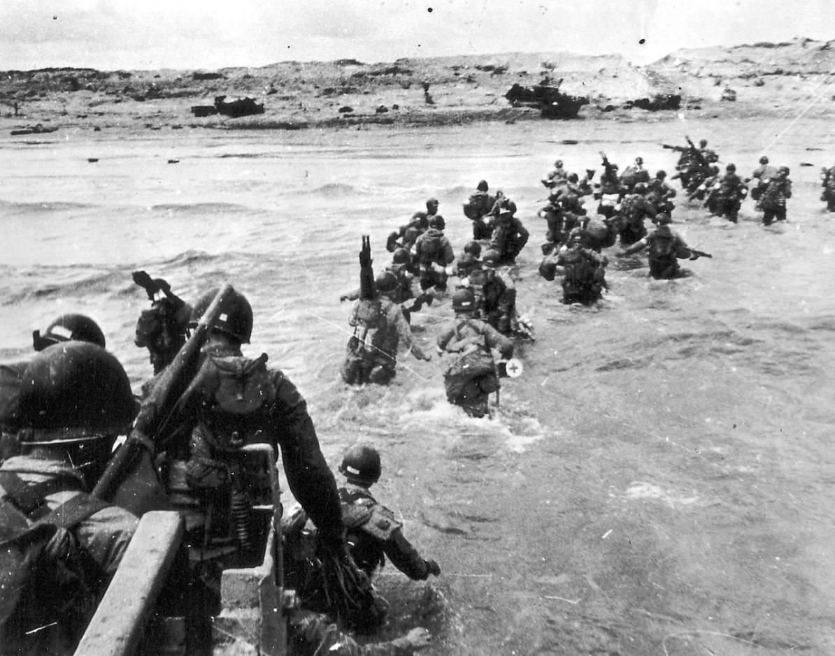 Landung der Alliierten in der Normandie (Utah Beach) Foto: Conseil Régional de Basse-Normandie / National Archives USA, gemeinfrei via Wikipedia