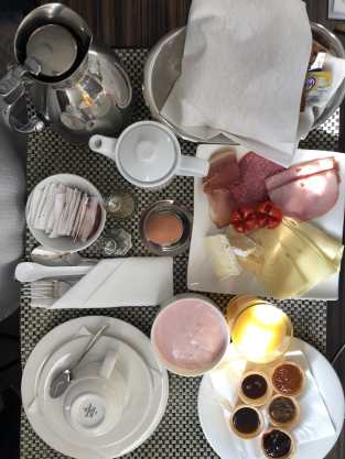 Frühstück aufs Zimmer