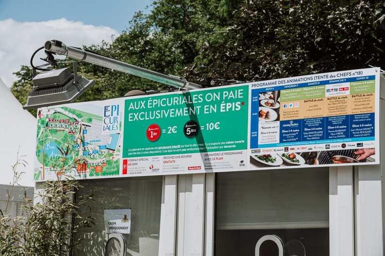"""Kasse zum Tauschen von Geld gegen Épis beim Foodfestival """"Les Epicuriales"""""""