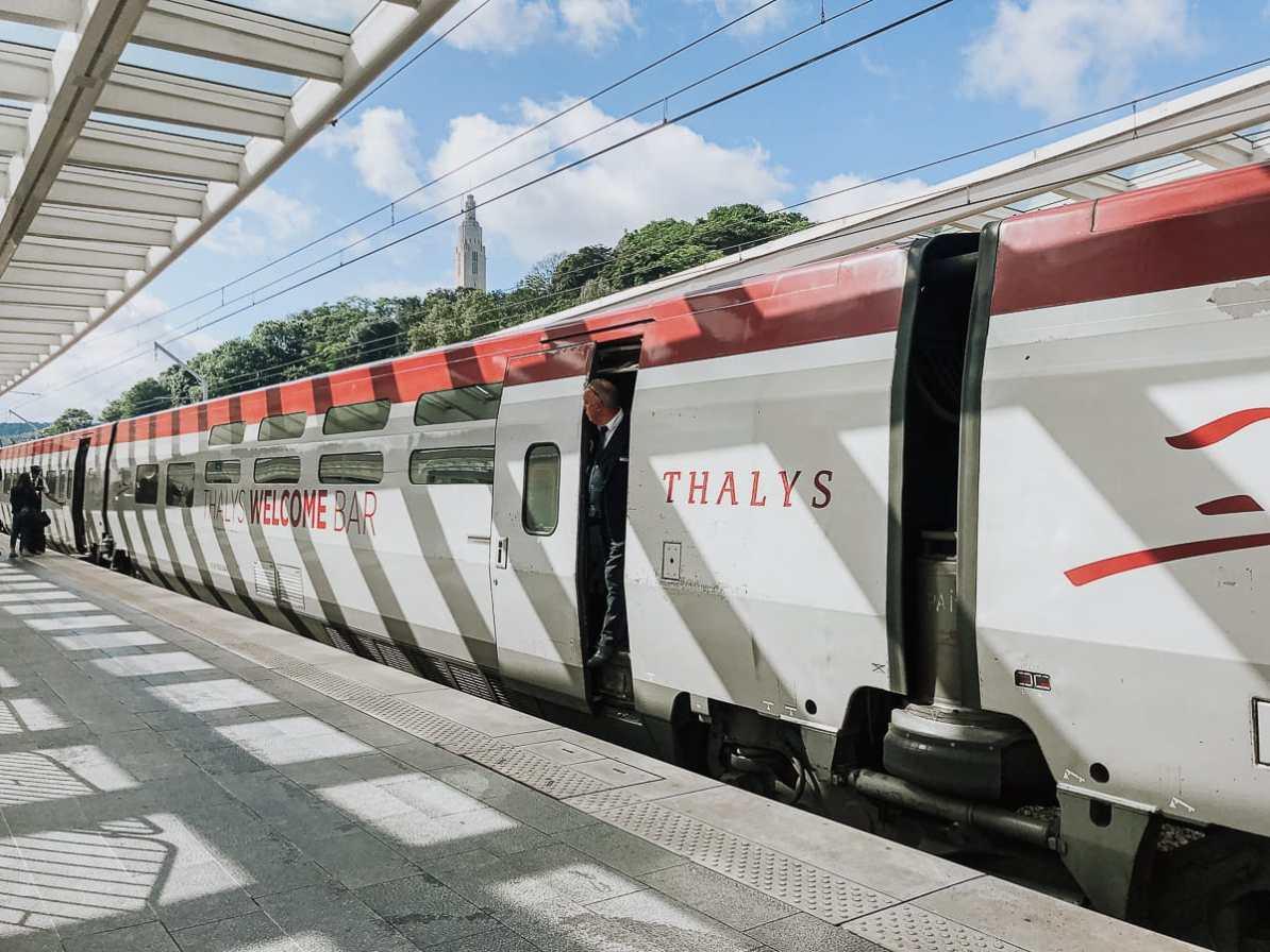 Thalys am Bahnsteig in Lüttich.