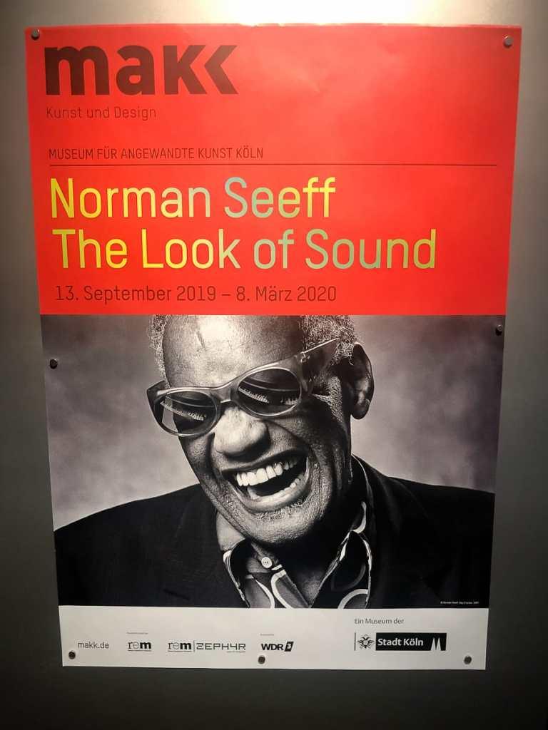 Plakat zur Ausstellung Norman Seeff - The Look of Sound mit Ray Charles als Motiv