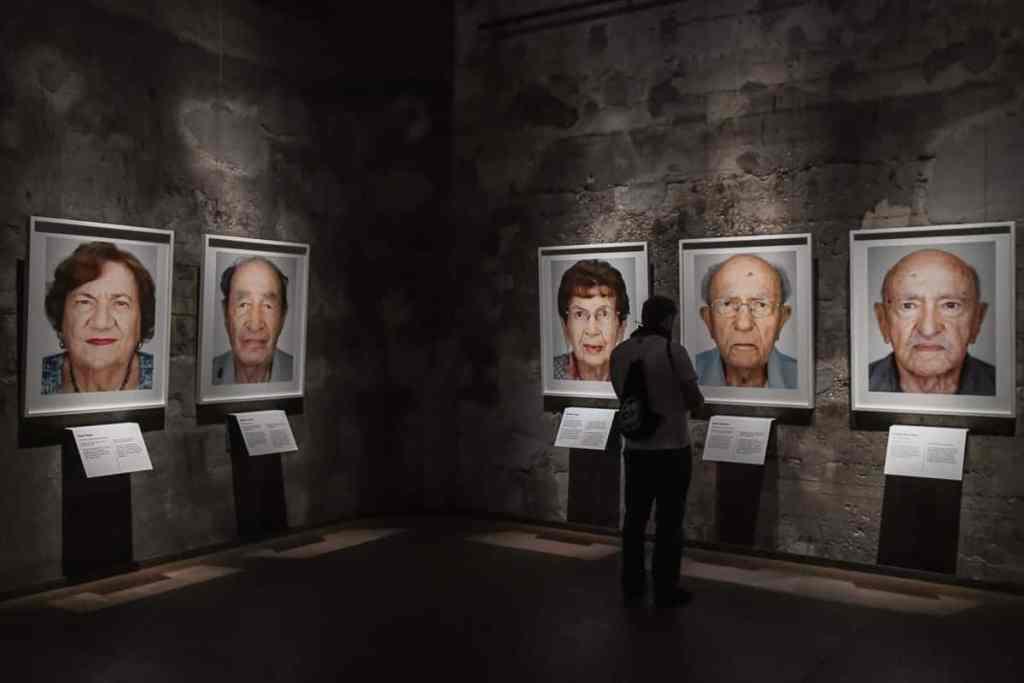 Survivors-Ausstellung von Martin Schoeller in der Zeche Zollverein/Kokerei Zollverein in Essen.