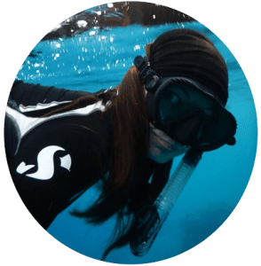 Anett Szaszi - Snorkel Around The World social media