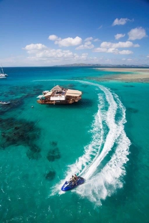 Fiji Cloud 9 Floating Bar
