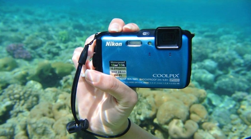 Waterproof compact camera - Nikon Coolpix AW 120 Review