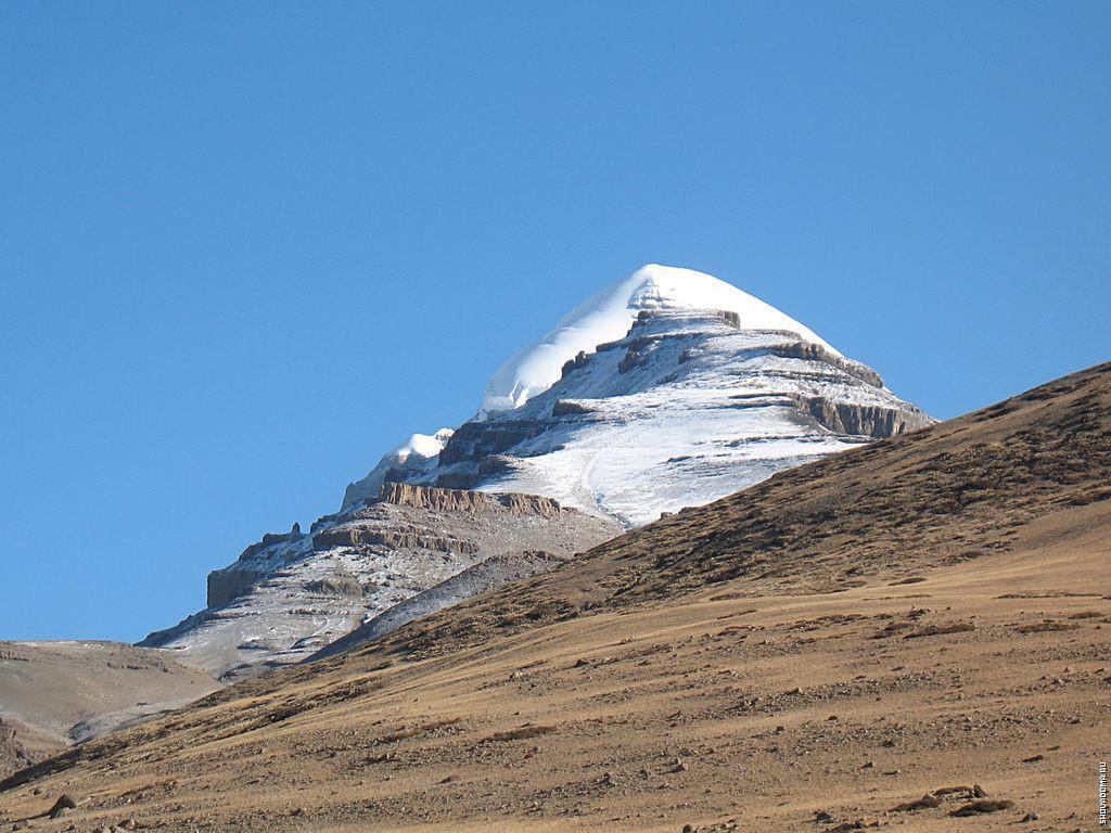 это гора кайлас фото другой