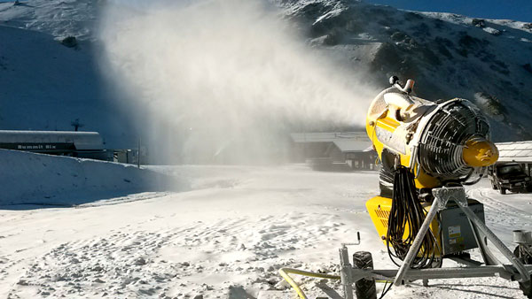 All-guns-blazing-as-snowmaking-gets-underway-at-Mt-Hutt-ski-area_final