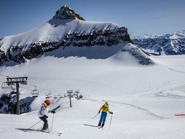 Glacier 3000 skiing