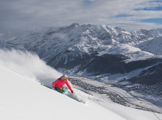 skiing powder at Livigno