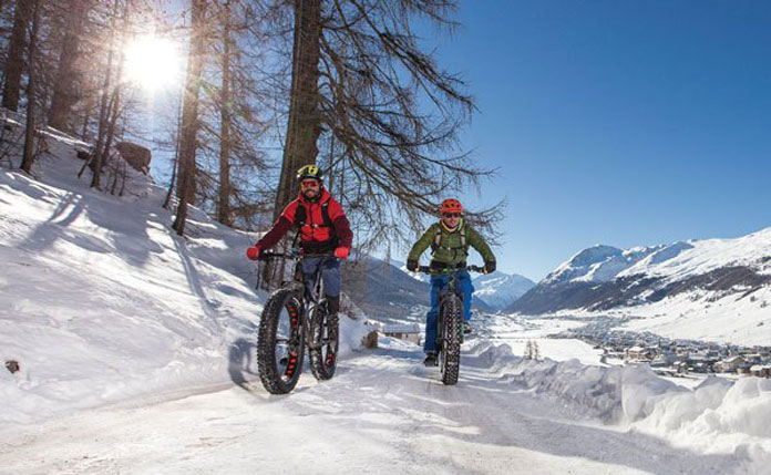 Fat biking in snow Livigno