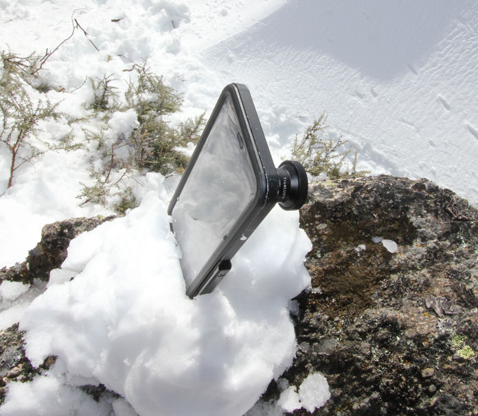 Using snow as the 'tripod' with a Hitcase PRO iphone case