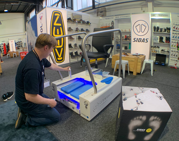 Setting up SIDAS custom foot bed machine
