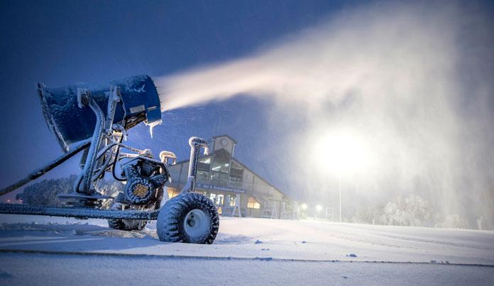 Snow gun blazinga tnight at Mt Buller