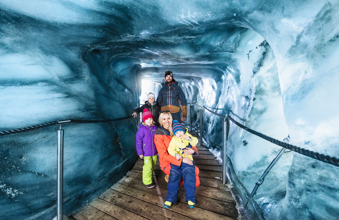 Family tour inside the Stubai Glacier, Innsbruck