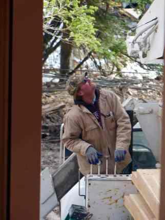 Chip guiding the crane