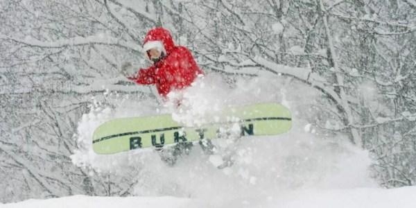 BURTON SNOWBORAD 2022