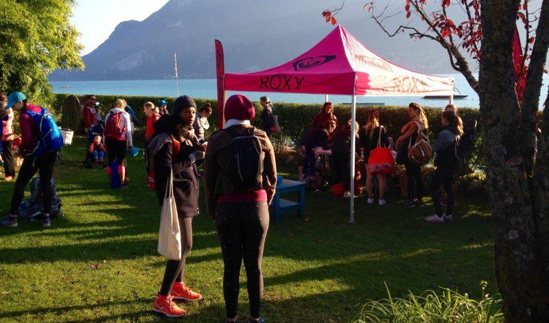 happy-women-mountains-femmes-lac-montagne-copines-nature-plaisir