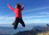 happy-women-mountains-femmes-montagne-randonnée