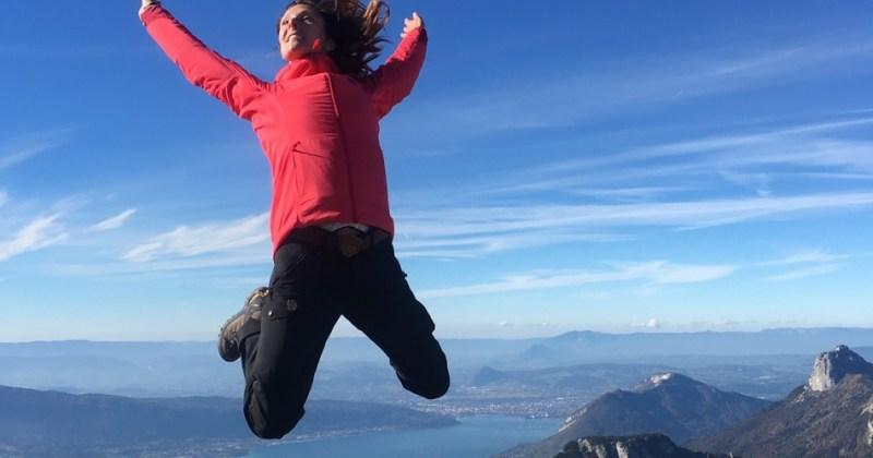 Lancement de Snowflike, happy women in the mountains