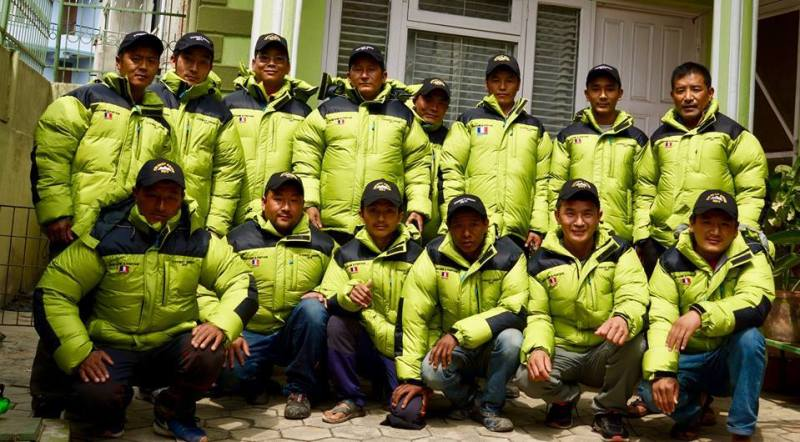 snowflike-Everestgreen-ramassage-dechet-hymalaya-environnement-2017-sherpas-porteurs