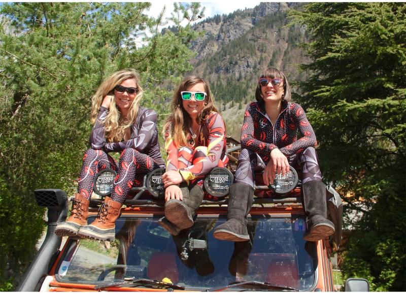 skieuses-snowbardeuses-rideuses-freestyle-alpin-freeride-skicross-montagne-enfants-equipement