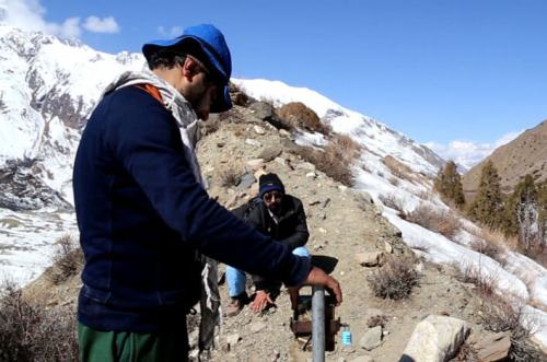 A team of scientists in Pakistan is setting up a remote-sensor research camera to capture photos of the elusive 'Ghost of the Mountain'. Photo: SLF Pakistan / Snow Leopard Trust