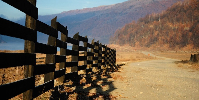 country-fence-copy-790×400
