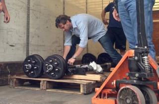 axle-delivery-320×210