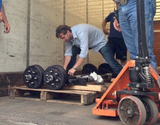 axle-delivery-320×250