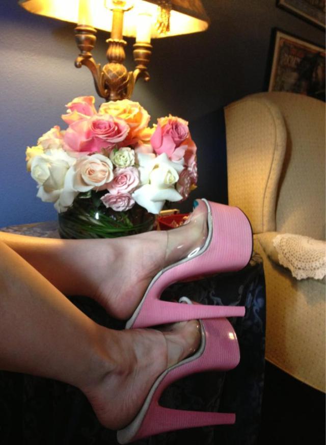 130318_PinkShoes