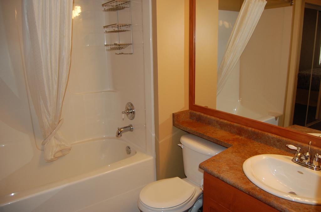 Sundance Resort, Big White, 2 bed club suite