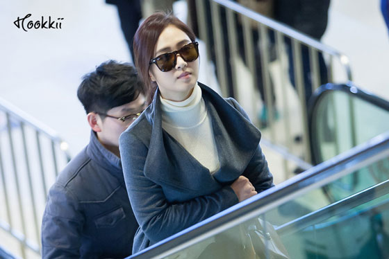 Snsd Yuri Gimpo Airport fashion