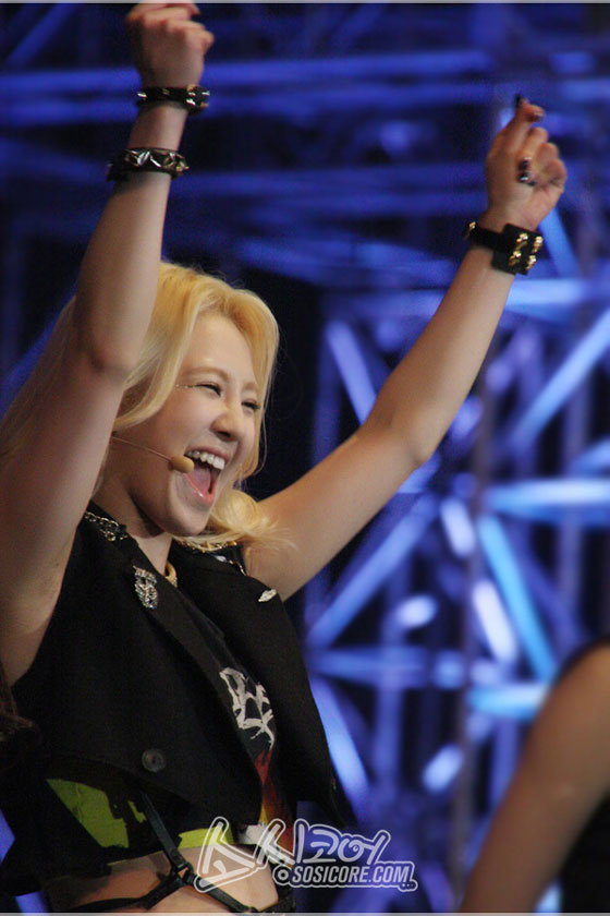SNSD Hyoyeon Hong Kong Asian Pop Music Festival 2013