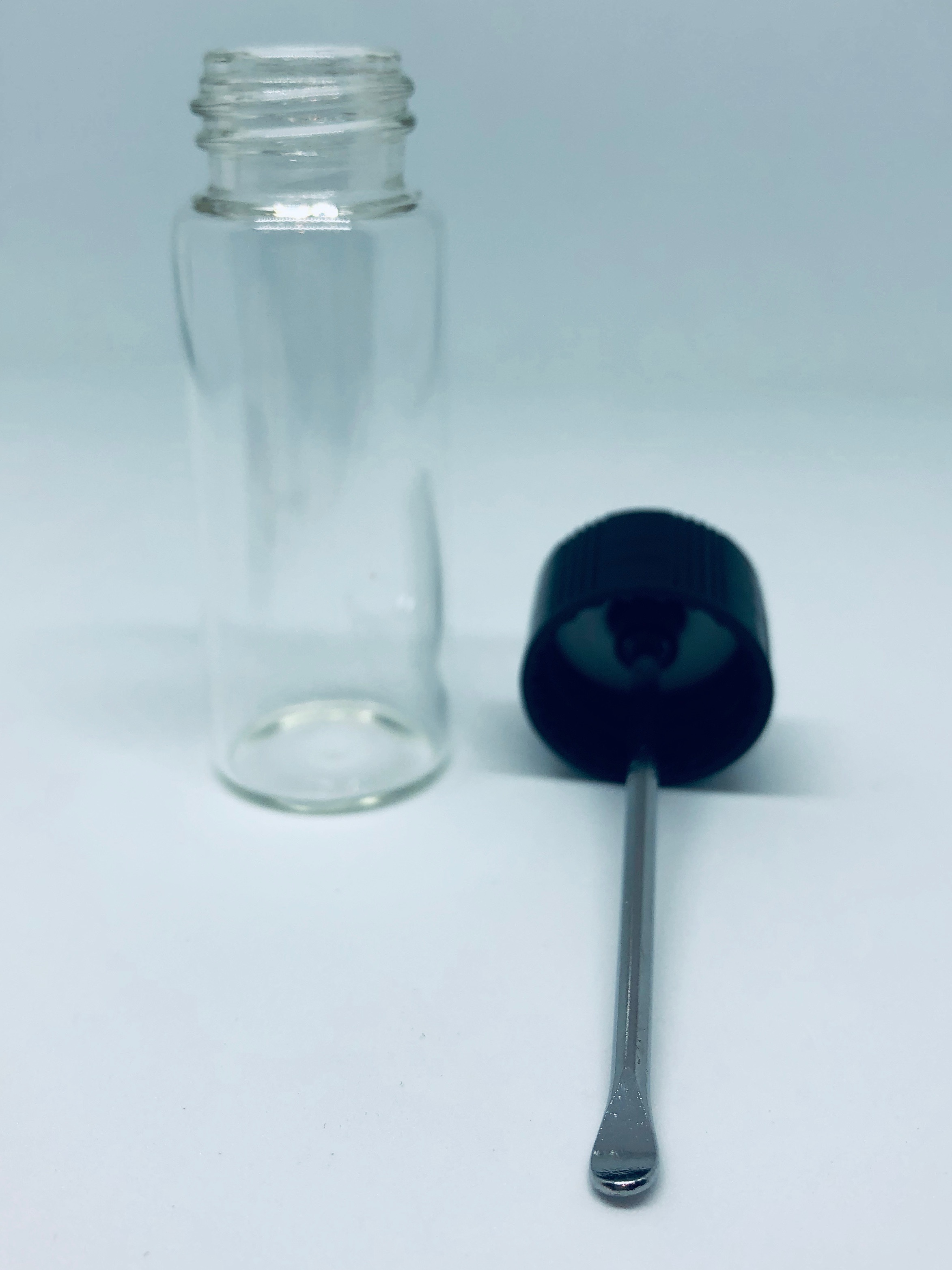 Big Storage 2X Large size Glass Snuff Bottle with Fixed Spoon Inside