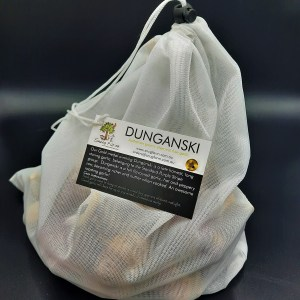 Reusable produce bag with 1 kg of chemical free Australian grown Dunganski garlic