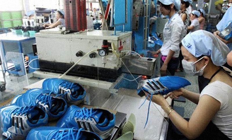Dịch bệnh bùng phát tại Việt Nam khiến thời trang thế giới lao đao