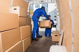 deux déménageurs manutention
