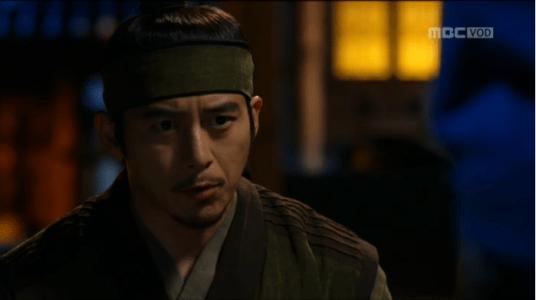 獄中花第9話 相談するユン・テウォン