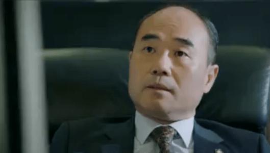 町の弁護士チョ・ドゥルホ第13話 話をするチャン・シヌ