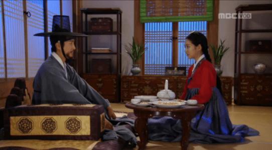 獄中花(オクチュンファ)第24話 徳興君を占うオンニョ