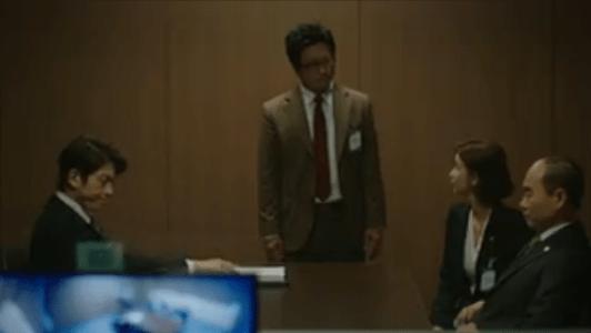 町の弁護士チョ・ドゥルホ第18話 取調室で心配するチョ・ドゥルホ