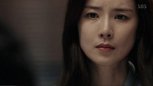 韓国ドラマ「耳打ち(ささやき)」5話 受け入れるシン・ヨンジュ