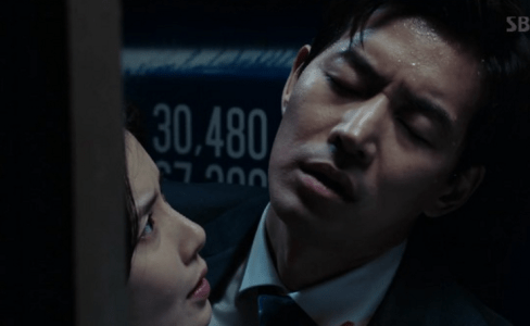 韓国ドラマ「耳打ち(ささやき)」5話 意識が薄れるイ・ドンジュン