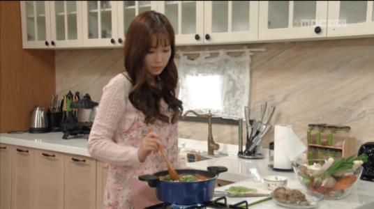 吹けよ、ミプン第22話 料理をするパク・シネ
