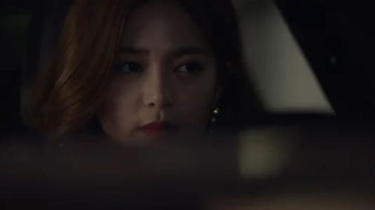 韓国ドラマ「サムマイウェイ」1話 コ・ドンマンを見つめる