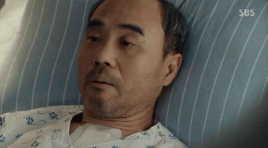 韓国ドラマ「耳打ち(ささやき)」7話 病状を尋ねるシン・チャンホ