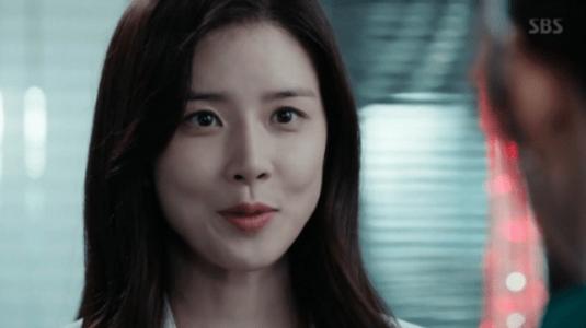 韓国ドラマ「耳打ち(ささやき)」6話 負けないシン・ヨンジュ