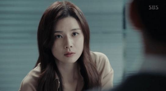 韓国ドラマ「耳打ち(ささやき)」9話 口答えするシン・ヨンジュ